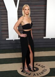 Jennifer Lawrence arrives at the Vanity Fair Oscar Party in Beverly Hills