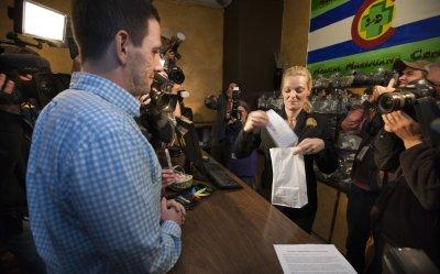 Recreational Marijuana Retail Stores Open in Colorado