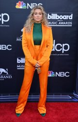 Tori Kelly attends the 2019 Billboard Music Awards in Las Vegas