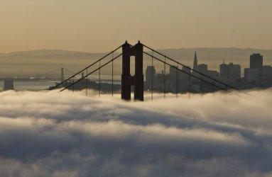 Low fog cools San Francisco