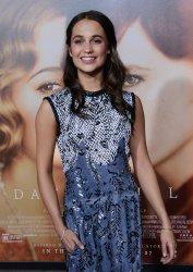 """Alicia Vikander attends """"The Danish Girl"""" premiere in Los Angeles"""