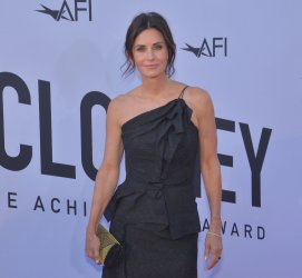 Courteney Cox arrives for the AFI tribute gala to George Clooney in Los Angeles