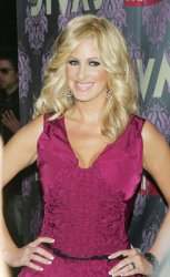 Kim Zolciak arrives for the VH1 Divas in Brooklyn, New York