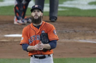 Astros Keuchel reacts to Yankees Castro double in the ALCS