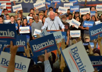 Bernie Sanders holds campagn rally and participates in immigration forum in Pasadena, California