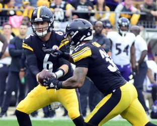 Steelers Quarterback Devlin Hodges in Overtime Lost