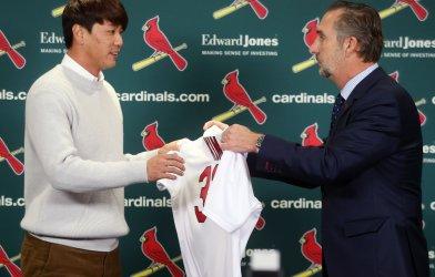 St. Louis Cardinals sign Korean pitcher