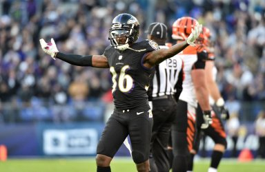 Ravens' Tavon Young celebrates late Bengals turnover in 19-14 win