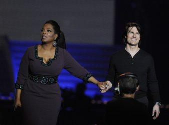 Oprah and Tom Cruise talk in Chicago