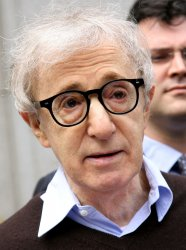 Woody Allen settles with American Apparel over billboard ads in New York