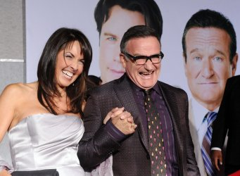 """Robin Williams attends premiere of his new film """"Old Dogs"""" in Los Angeles"""