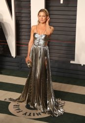 Kate Hudson arrives at the Vanity Fair Oscar Party in Beverly Hills