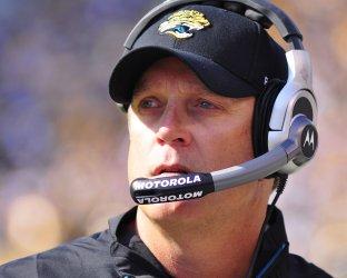 Jagaurs coach Jack Del Rio  in  Pittsburgh