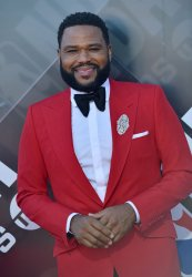 Anthony Anderson attends the 2018 NBA Awards