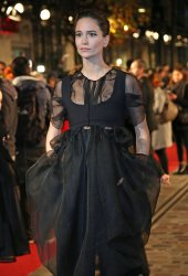 """Katherine Waterston arrives at the world premiere of """"Fantastic Beasts: The Crimes of Grindelwald"""" in Paris"""