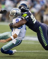 Seahawks beat the  Cowboys 27-17 in Seattle