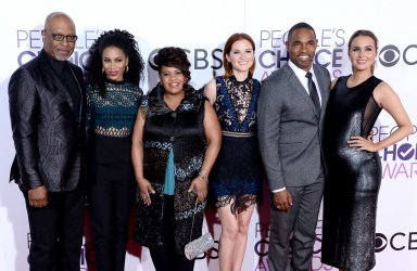 James Pickens Jr., Kelly McCreary, Chandra Wilson, Sarah Drew, Jason George, and Camilla Luddington attend the 43rd annual People's Choice Awards in Los Angeles