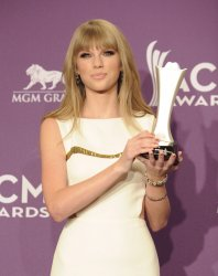 Taylor Swift garners Entertainer of the Year award at the Academy of Country Music Awards in Las Vegas