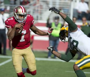 Green Bay Packers manhandle 49ers Kaepernick