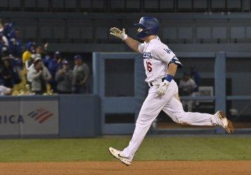 San Francisco Giants vs LA Dodgers in Game 4 of MLB NLDS