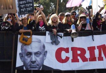 Israelis Protest Outside PM Benjamin Netanyahu Corruption Trial