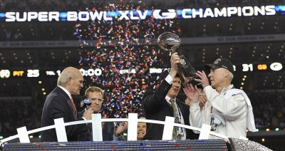 Pittsburgh Steelers vs Green Bay Packers Play in Super Bowl XLV.
