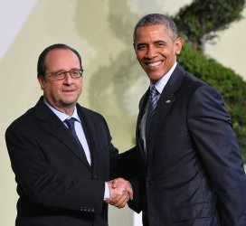 Obama and Hollande Arrive at Opening of UN Climate Summit Near Paris