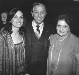 UPI reporter Helen Thomas with actor Danny Thomas and Terre Thomas