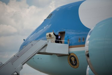 Obama departs Andrews Air Force Base en route to Michigan