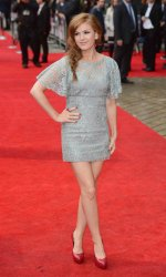 "Isla Fisher attends the World premiere of ""The Dictator"" in London."