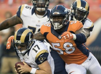 Broncos Von Miller sacks QB Keenum in Denver