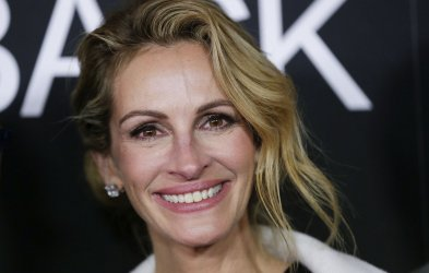 Julia Roberts arrives at the Ben is Back premiere in New York