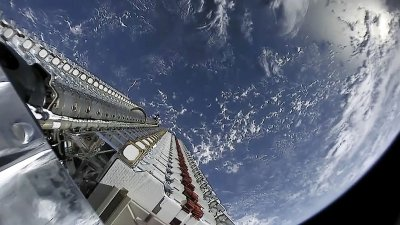 SpaceX Launches Starlink Mission from Cape Canaveral