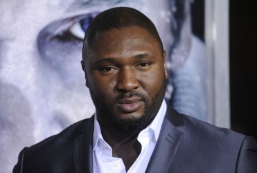 """Nonso Anozie attends the premiere of the film """"The Grey"""" in Los Angeles"""