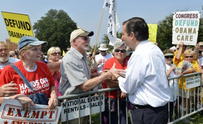 Tea Party holds US Capitol rally to protest Obamacare