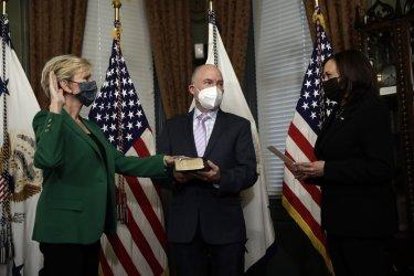 Kamala Harris swears in new Secretary of Energy in Washington