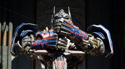Optimus Prime immortalized during handprint ceremony in Los Angeles