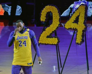 Lakers honor life of Kobe Bryant with an emotional tribute at Staples Center in Los Angeles