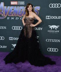 "Linda Cardellini attends ""Avengers: Endgame"" premiere in Los Angeles"