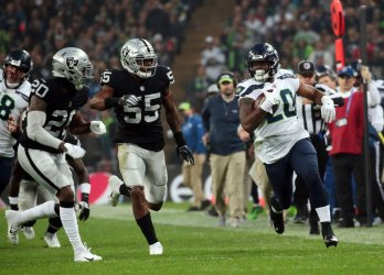 Seahawks Penny runs against Raiders