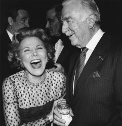 Walter Cronkite shares laugh with columnist Ann Landers