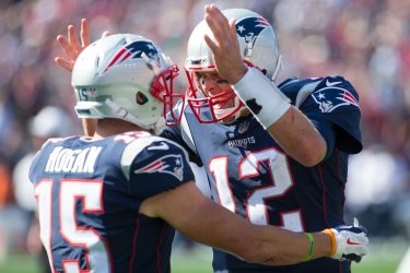 Patriots Brady and Hogan celebrate against Texans