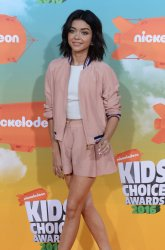 Sarah Hyland attends the Kid's Choice Awards in Inglewood, California