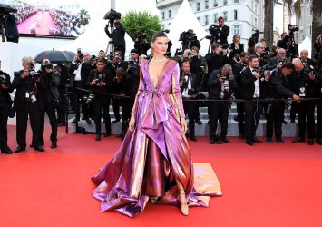 Isabeli Fontana attends the Cannes Film Festival