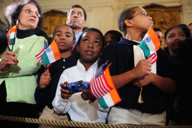 Children attend the Obama's welcoming ceremony fro Indian PM Minister Singh in Washington