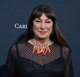 """Anjelica Huston attends the """"John Wick: Chapter 3 - Parabellum"""" screening in Los Angeles"""
