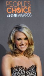 Carrie Underwood attends the 2010 People's Choice Awards in Los Angeles