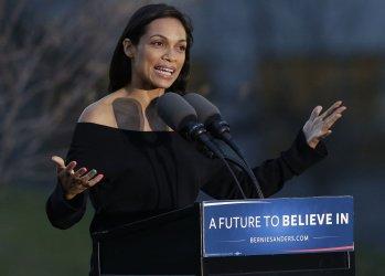 Rosario Dawson at a Bernie Sanders rally