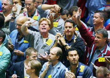 OIL PRICES CREEP UPWARDS AT THE NYMEX