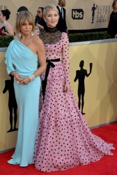 Goldie Hawn and Kate Hudson attend the 24th annual SAG Awards in Los Angeles